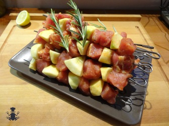 Pork and apple skewer - easyfrenchcooking.com